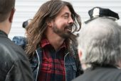 Dave Grohl doesn't comment back to you???? huh?