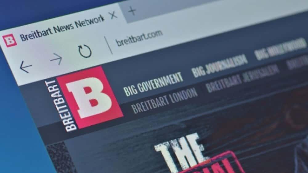 Steve Bannon Steps Down From Breitbart News | 100 7 WZXL