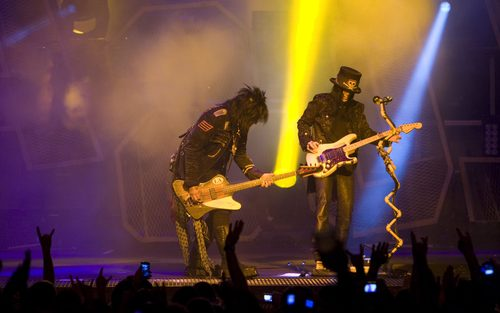 Rumor Mill: Motley Crue back in 2020…?