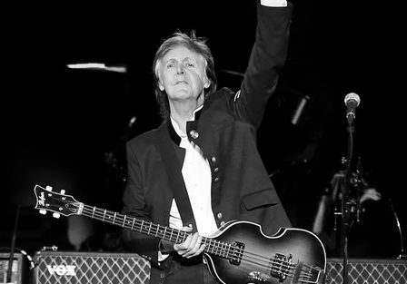 Paul McCartney rocks a NJ Holiday party!