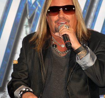 "Rock world responds to Motley Crue unretirement"""