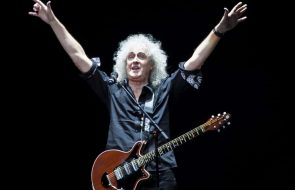 Queen's Brian May Recovering From Leg Surgery