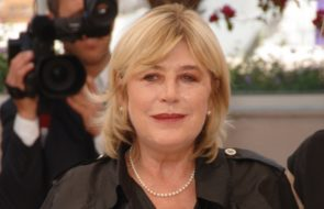 Marianne Faithfull unable to sing due to COVID-19 complications