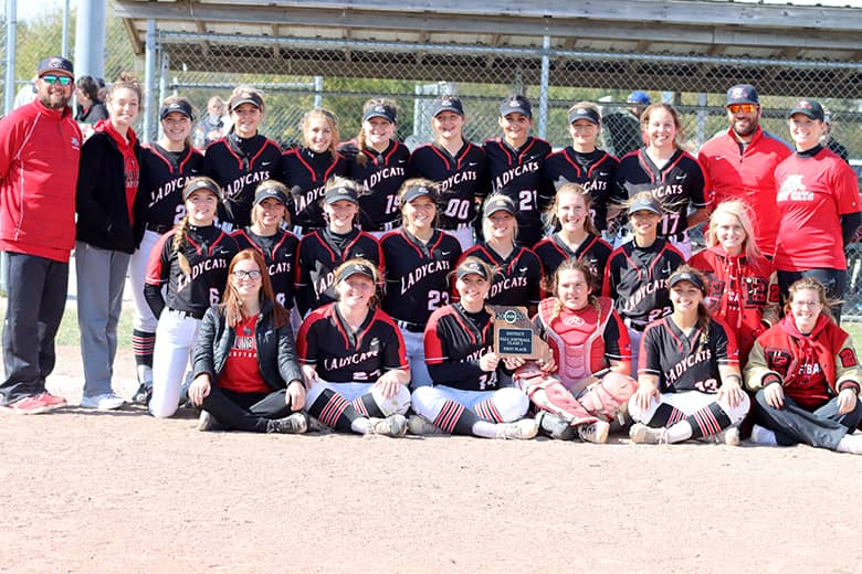 Bowling Green Lady 'Cats win district championship