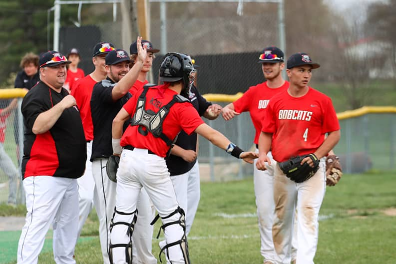 'Cats pick up conference win over T-Birds