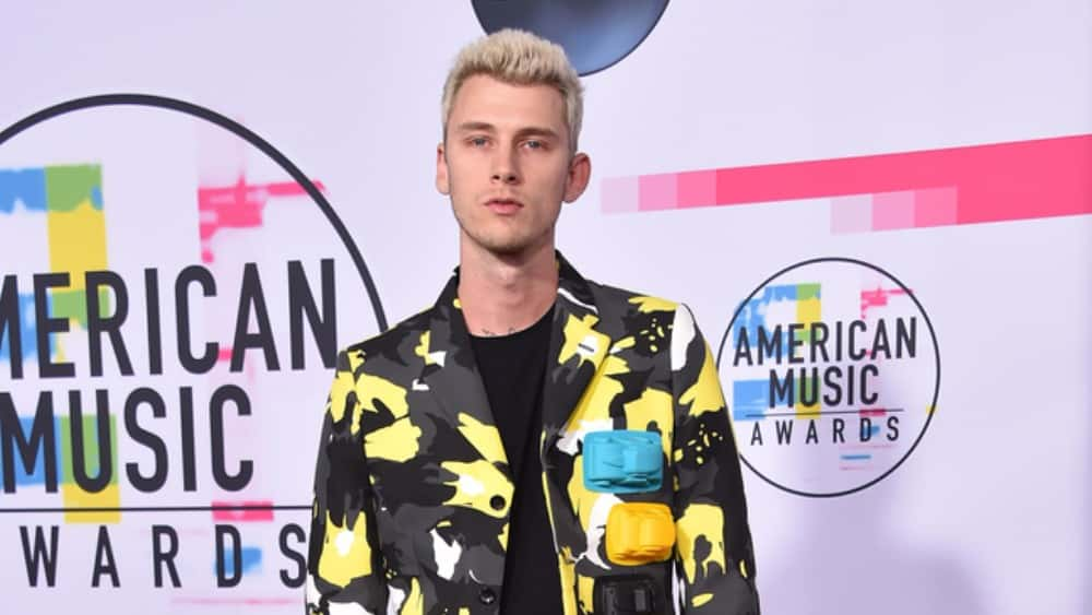Machine Gun Kelly Says He Apologized To Eminem Years Ago In Explosive New Interview