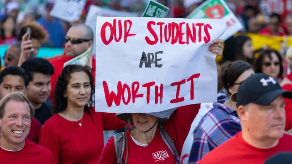 Over 3000 Teachers Hit The Picket Line In Oakland, California Strike