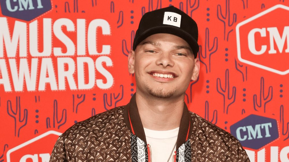 """Kane Brown wins ACM Video of the Year Award For """"Worldwide Beautiful"""""""