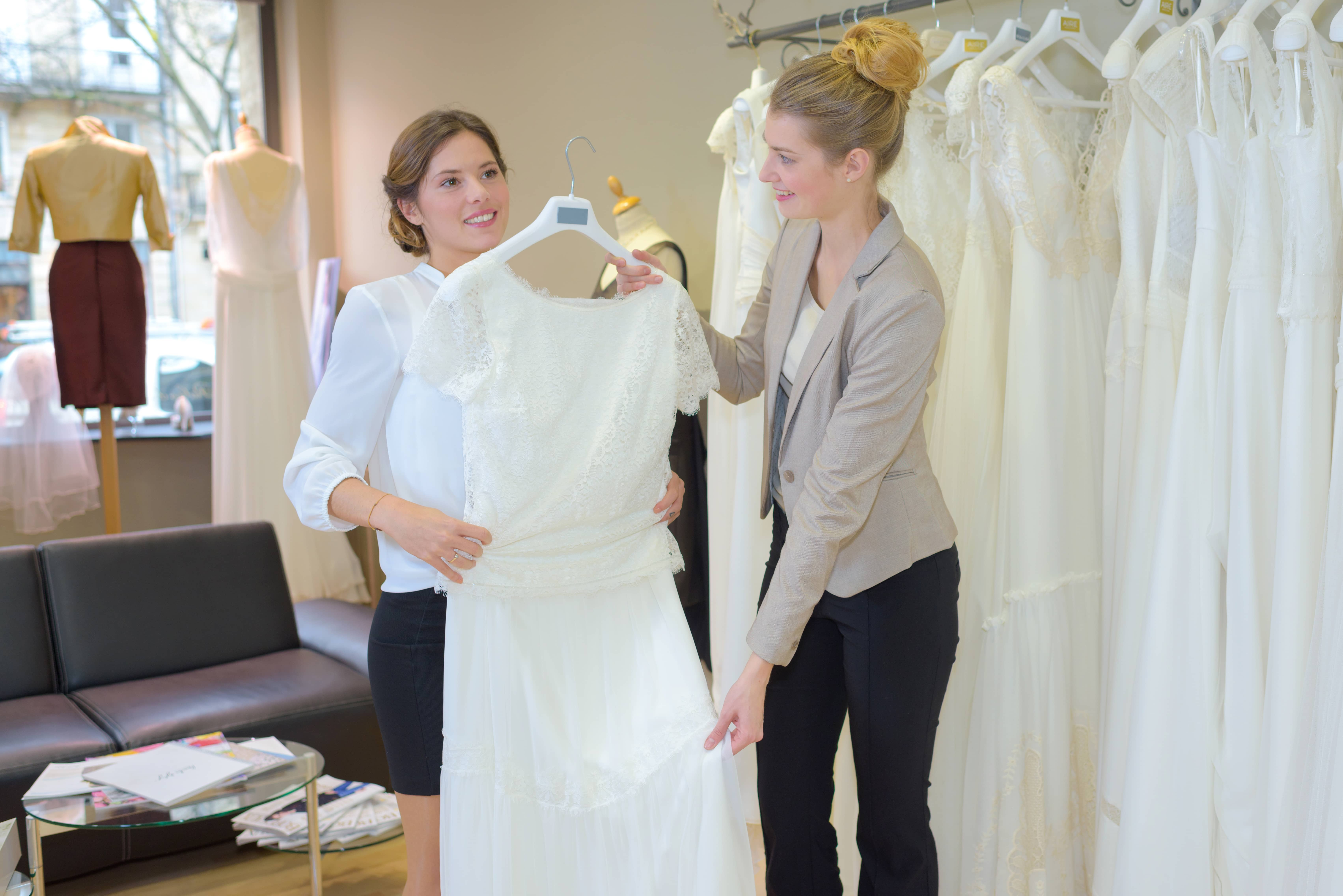 Planning,The,Wedding,Gown