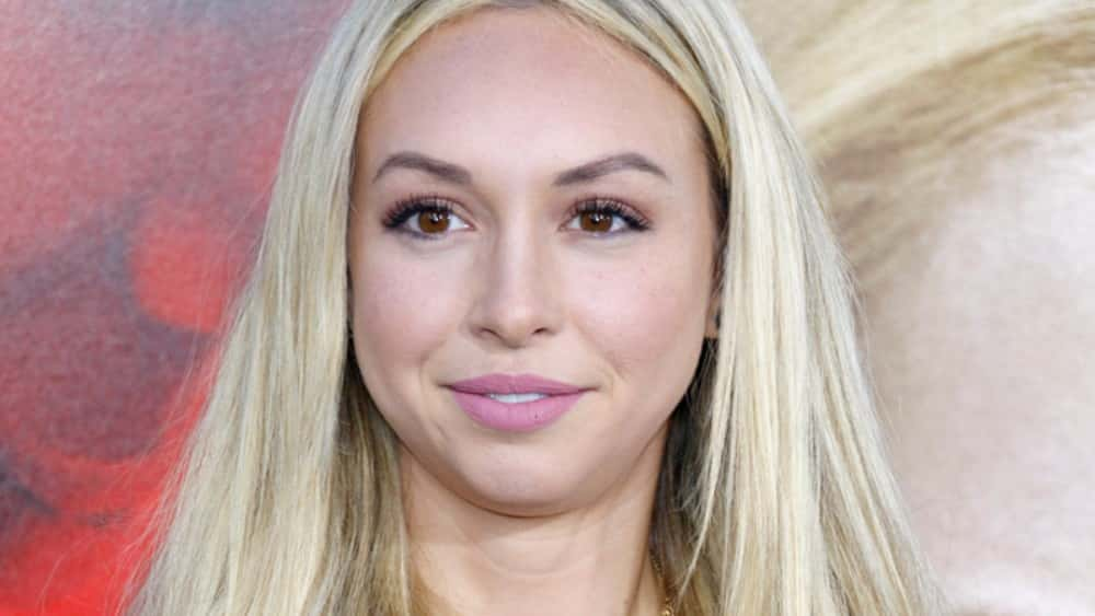 Jun 2017. While Corinne Olympios lawyers up for a possible suit, other Bachelor in Paradise cast members dispute claims of her being too drunk to.