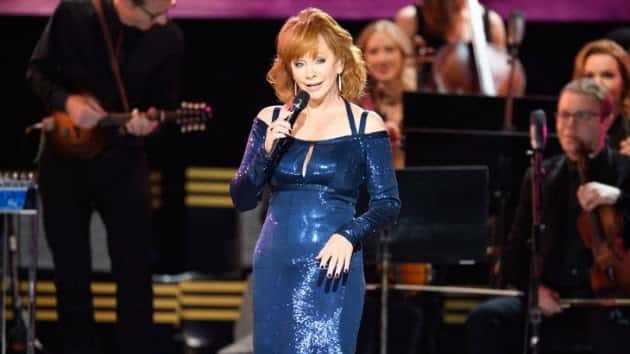 Reba Mcentire Christmas Guest.My Kind Of Cma Country Christmas Reba Mcentire Adds Her