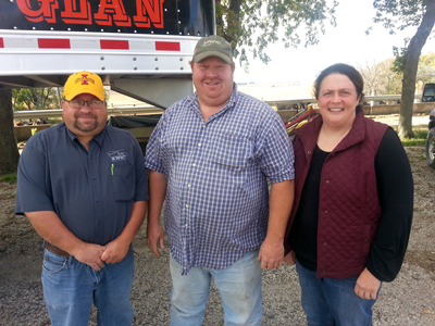 FTF Winners! Clint & Renee VonGlan of rural Vail, IA with Duane Murley.