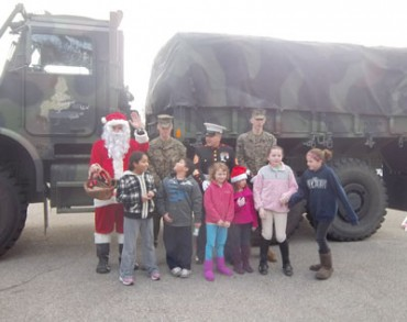 Toys-for-Tots-Marines