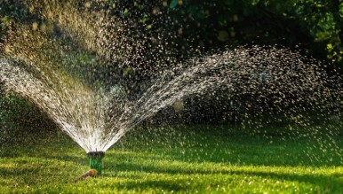 Sprinkler-outdoor-watering
