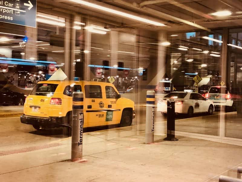 Man Wounded In Stabbing Near O Hare Airport Parking Area Wglc