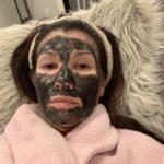 0ACE43F5-0B38-4C33-962D-26213F0E885E: Here's my mask!