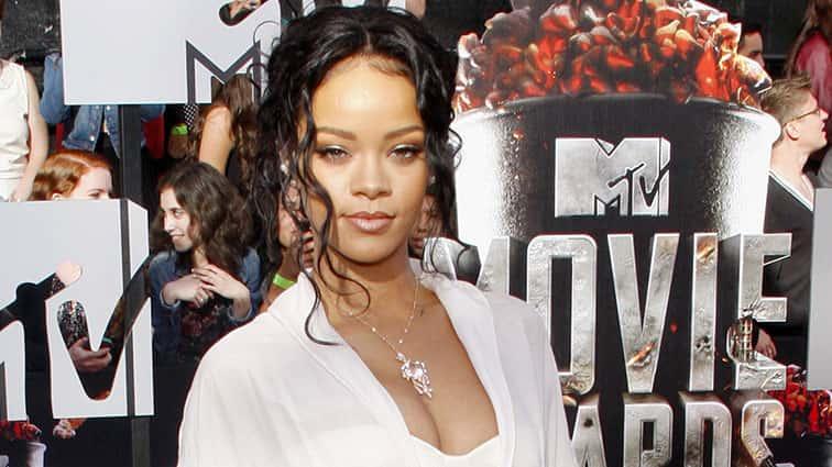 38eae3ab6e8 Rihanna Sits Courtside at NBA Finals