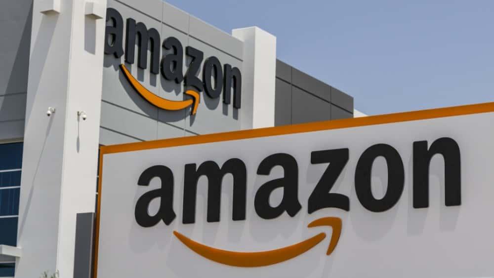 Amazon Ceo Jeff Bezos And His Wife Mackenzie To Divorce Kiss
