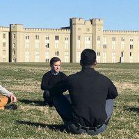 Cómo la meditación ayuda militar de Virginia cadetes ser más eficaces ... - myCentralOregon.com 1