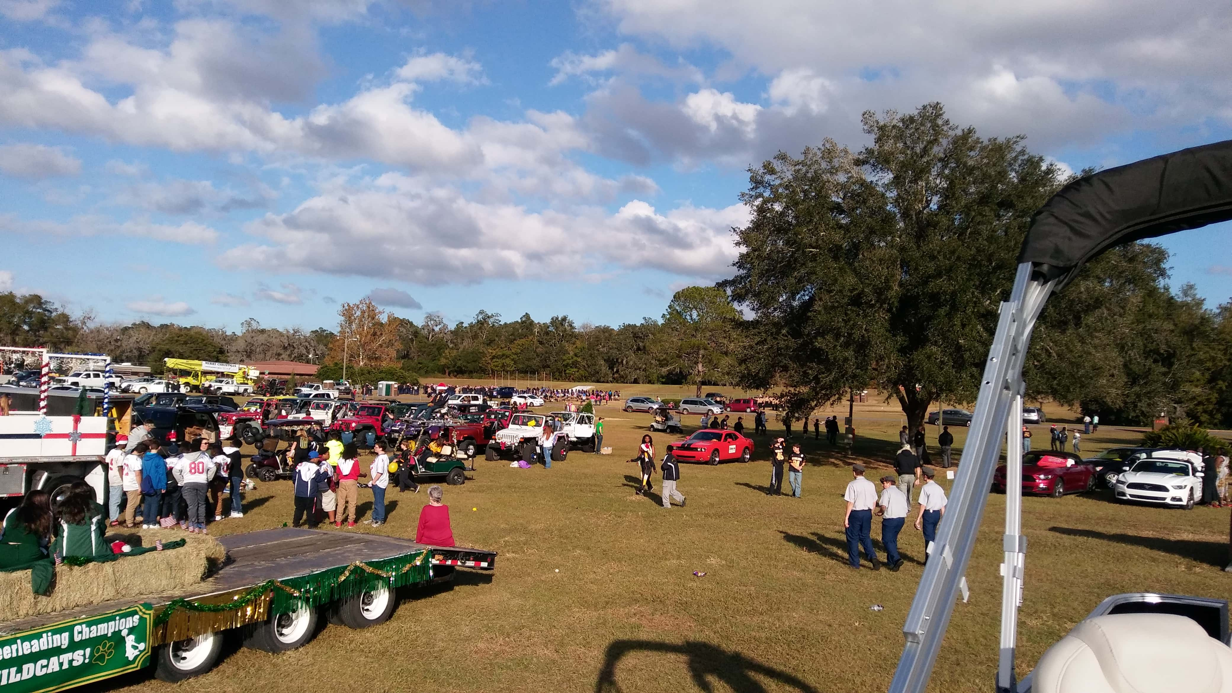 Ocala Marion County Christmas Parade 2016 | 93.7 K COUNTRY