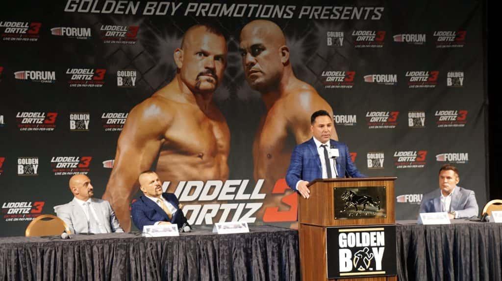 Tito Ortiz lật mặt như lật bánh tráng trước Golden Boy MMA