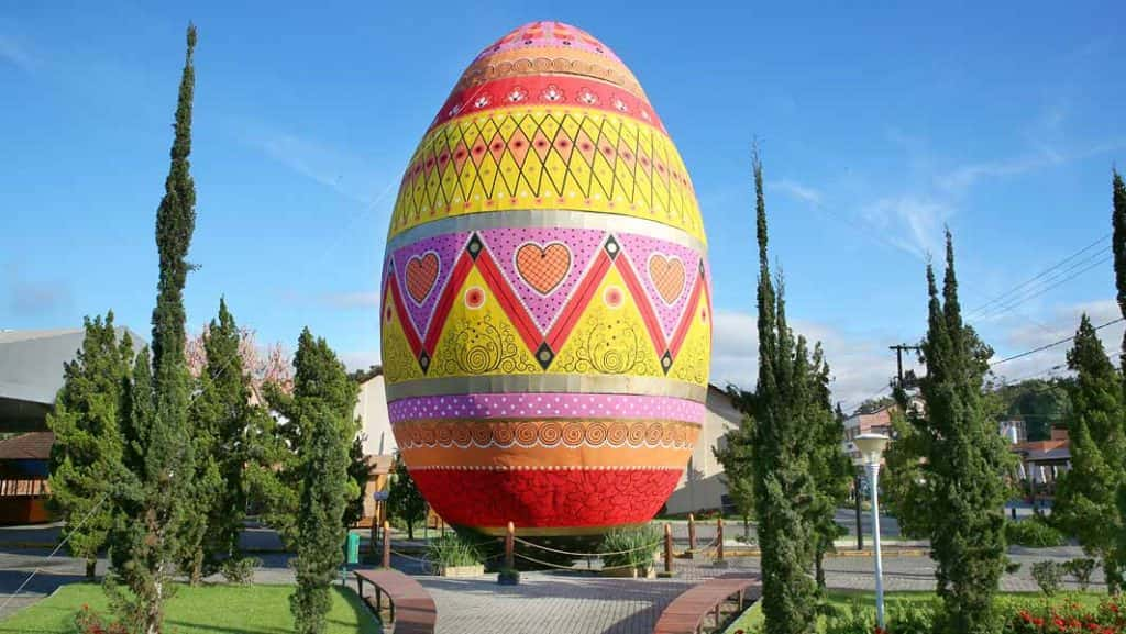 The worlds largest Easter egg according to Guinness World Records | KHDK