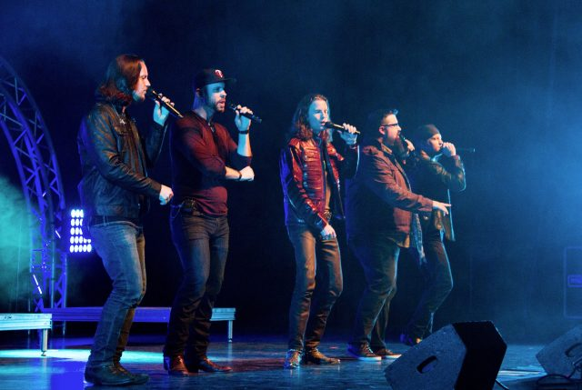 home free a country christmas in peoria