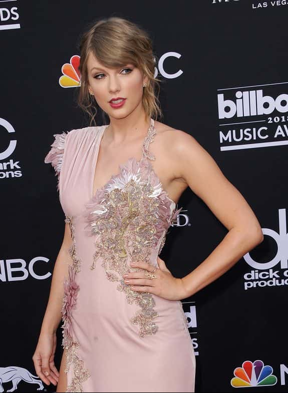 Taylor Swift Has Her Cats Names Trademarked Alice 965 Reno