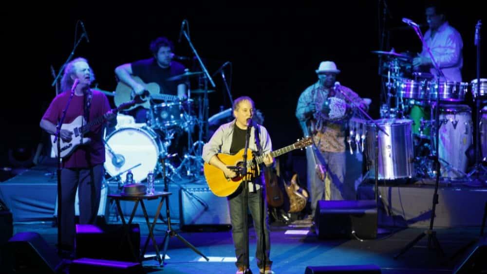 "Paul Simon Says ""Goodbye"" During Farewell Hometown Show"