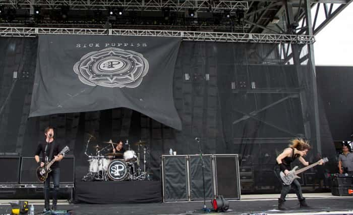 Sick Puppies (photo by Jason Squires)