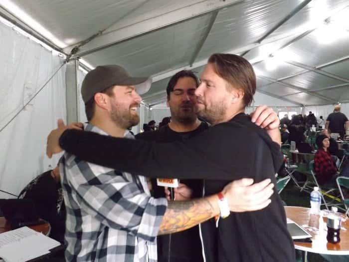Brothers gotta HUUUUUG!