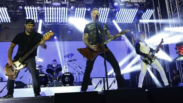 Watch Metallica members cover