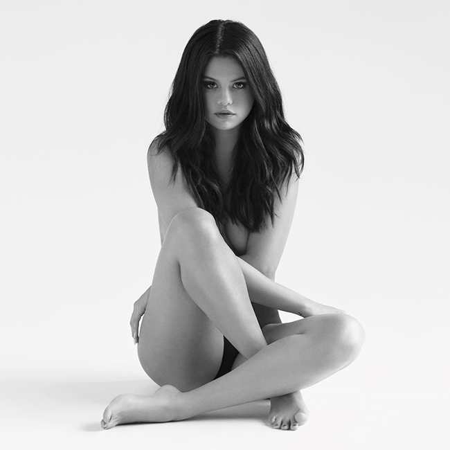 selena-gomez-revival-album-2015-billboar