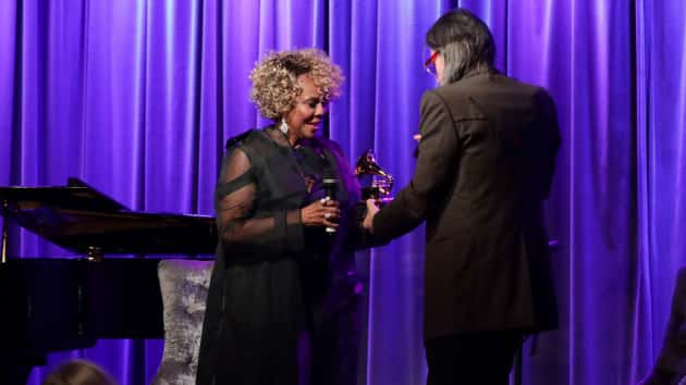 Don't leave it that way: Thelma Houston has broken Grammy trophy replaced at L.A. event