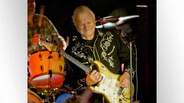 """Dick Dale, """"King of the Surf Guitar,"""" dead at 81"""