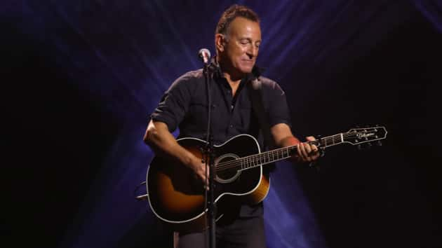 Bruce Springsteen posts enigmatic tree photos on social media sites; is new album on the way?