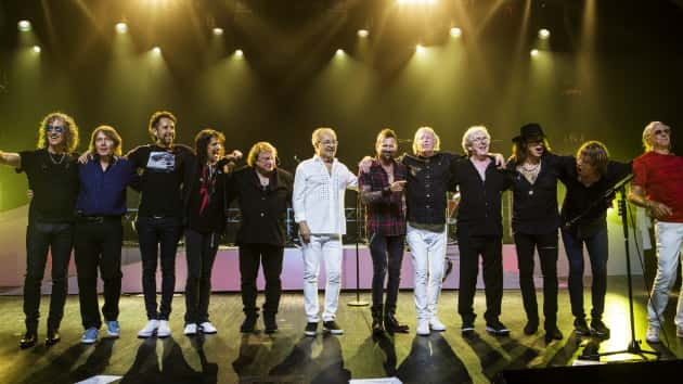 """Watch trailer for Foreigner's new reunion concert film, """"Double Vision: Then and Now"""""""