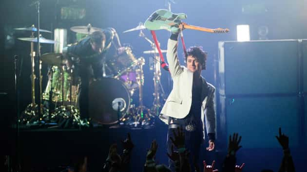 Green Day grabs 11th top-10 'Billboard' 200 debut with 'Father of All...'