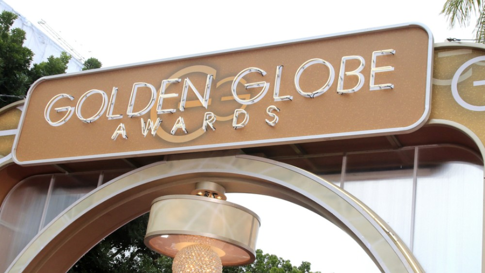 Golden Globes 2018: Gal Gadot, Amy Poehler, And Seth Rogen Among Presenters