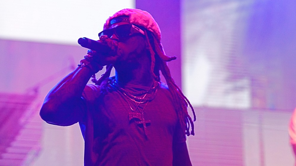 Lil Wayne Threatens Concertgoers After Fan Throws Water Bottle On Stage