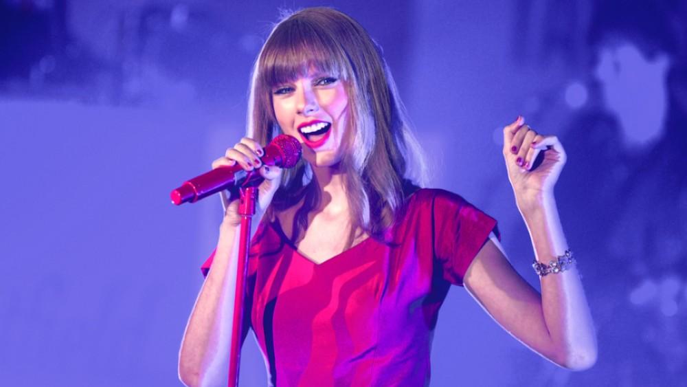 Taylor Swift Kicks Off Her 'Reputation' Tour
