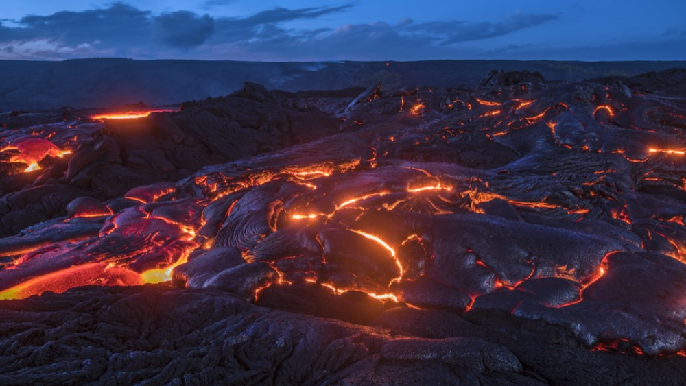 Huge Fissure Opens On Hawaiian Volcano As More Eruptions Expected