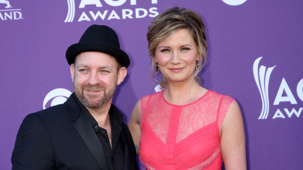 Taylor Swift Stars In Sugarland's 'Babe' Music Video