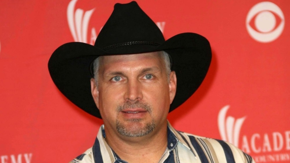 Garth Brooks To Give First-Ever Concert At Notre Dame Stadium