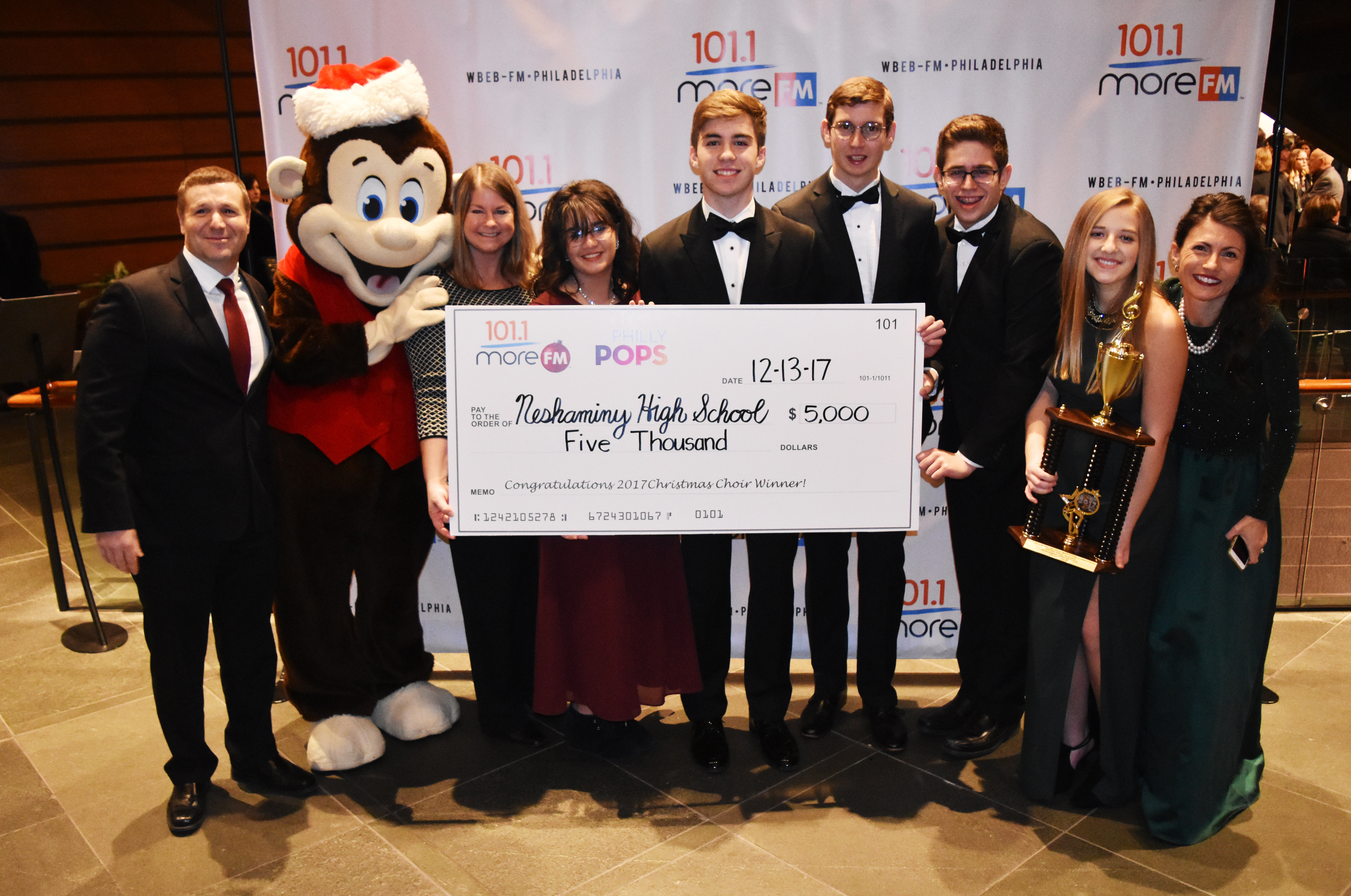 christmas choir 9 12 grade champions perform with the philly pops