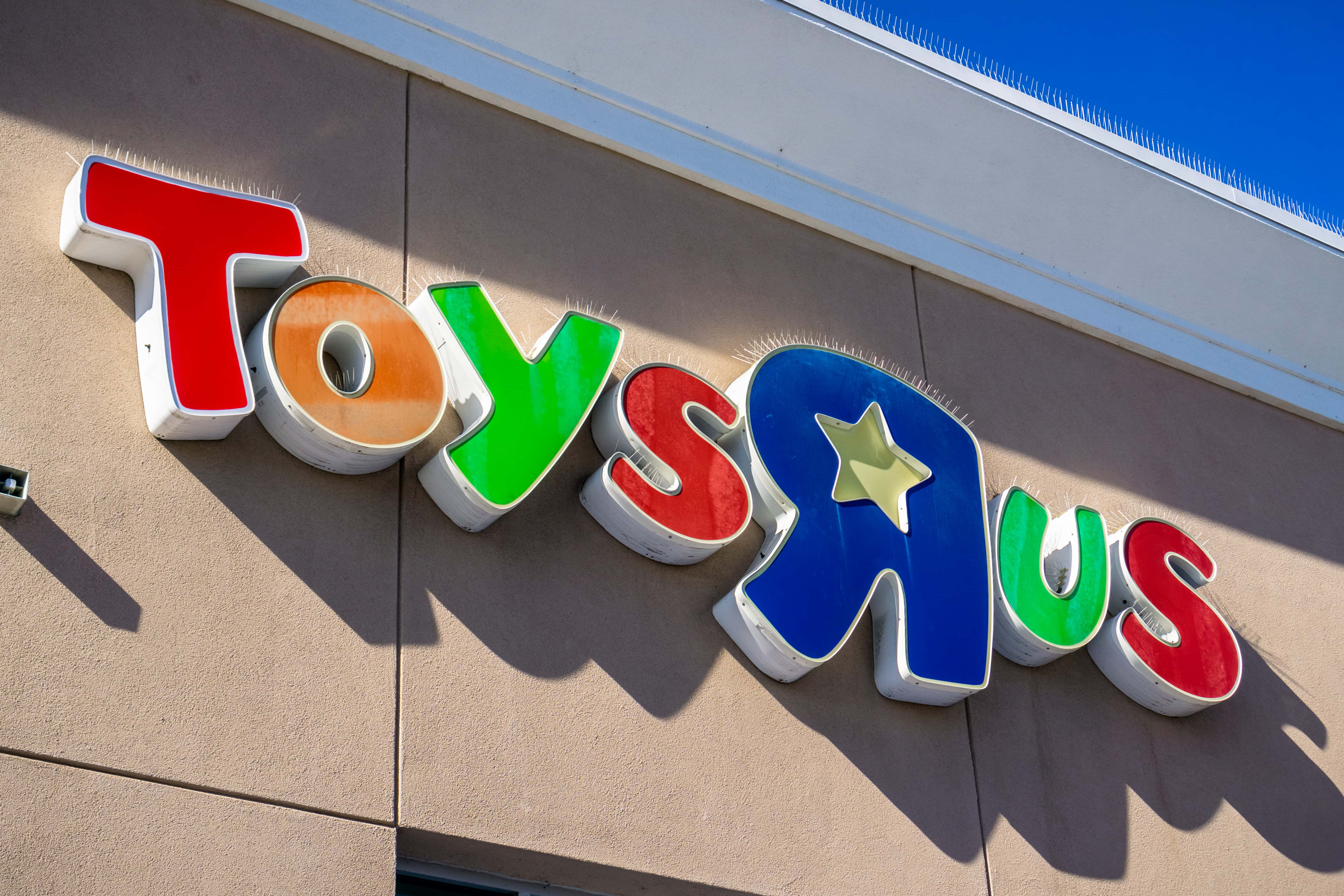 Toys R Us 70 Year Old History Is Coming To An End Ksro