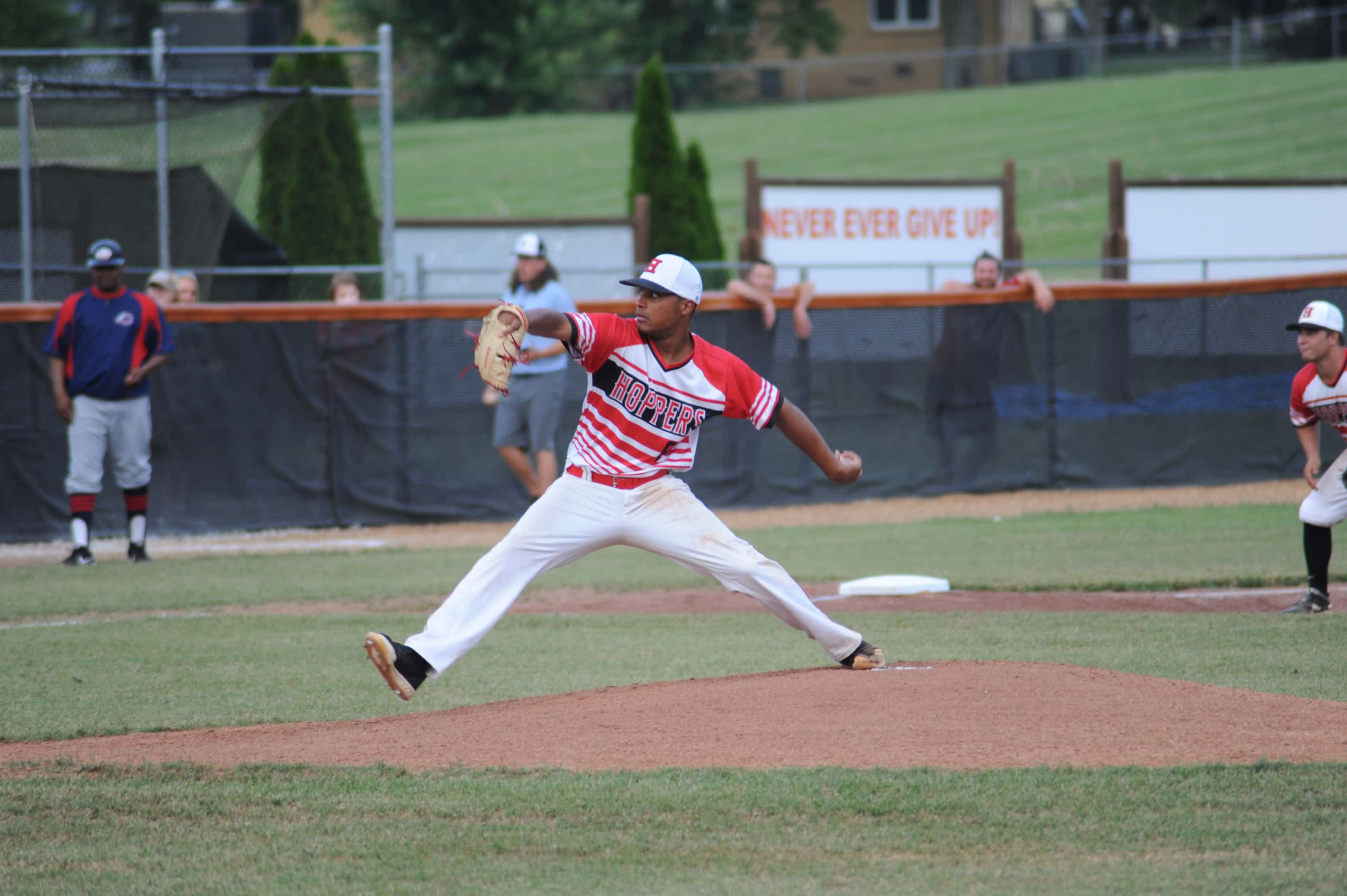 PHOTOS – Hoptown Hoppers 6 Paducah Chiefs 4