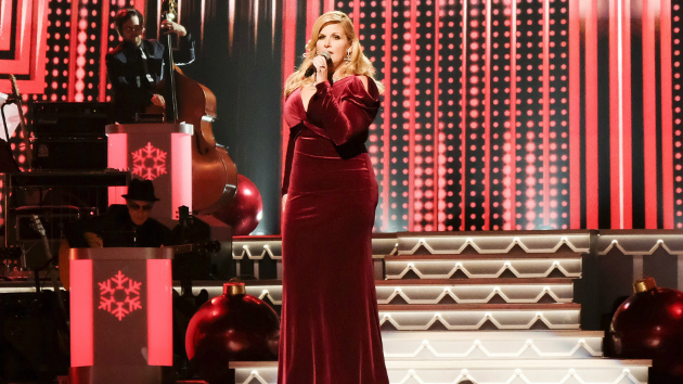trisha yearwood admits its a hard candy christmas if you try to sing like dolly - Dolly Parton Hard Candy Christmas
