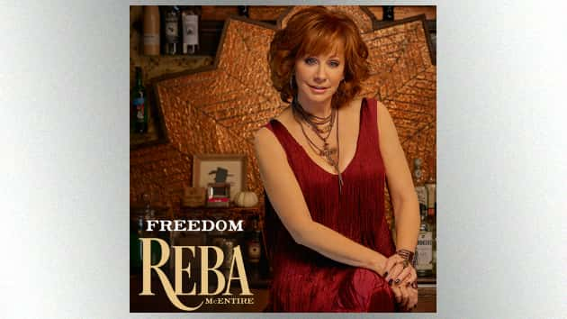Cma Christmas Special 2019.Reba S Ready For The Acms How Cma Country Christmas And