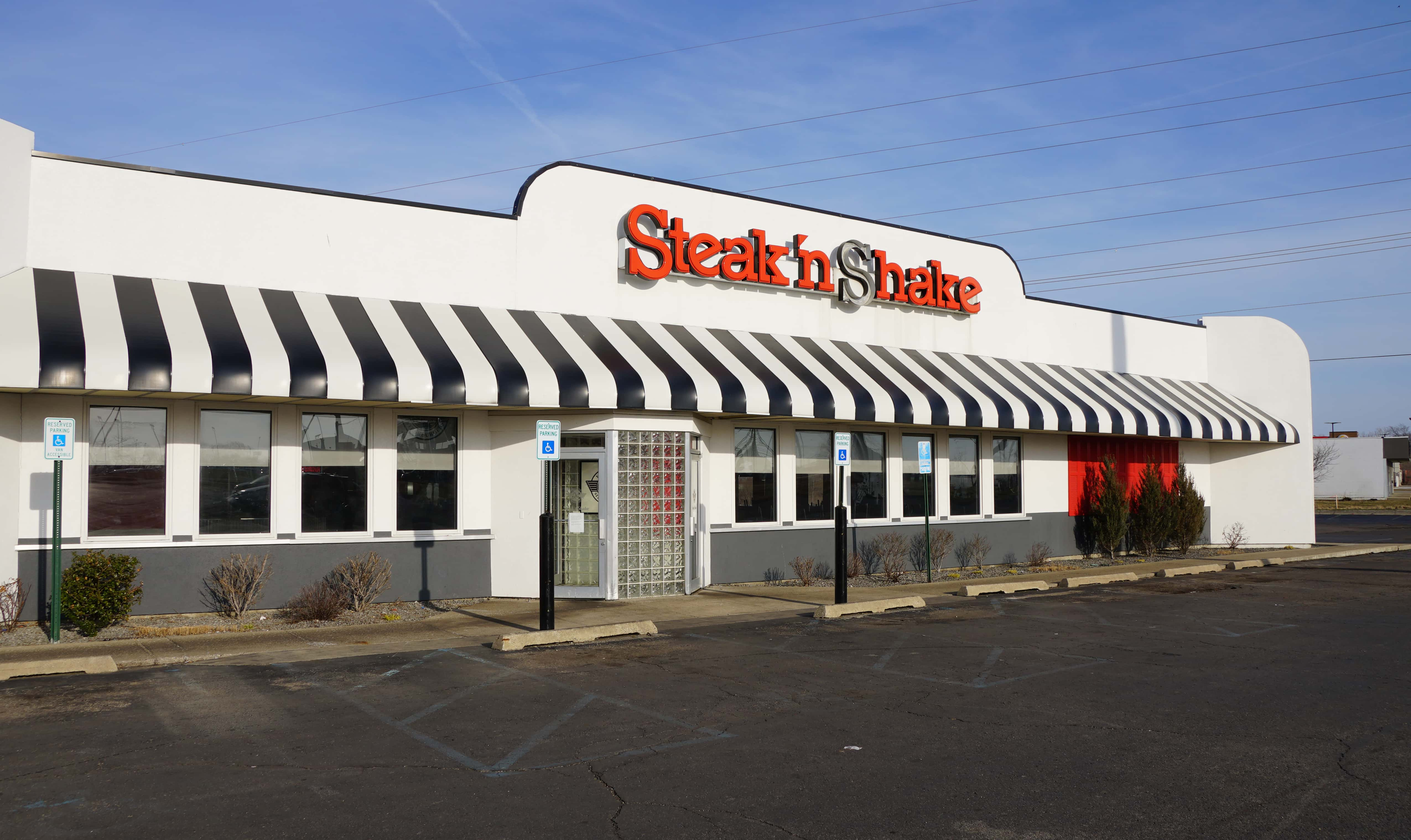 38021c59 If you're in need of a fix from Steak 'n Shake in Benton Harbor, the wait  might be a while. The Pipestone Road restaurant has been closed down...but  ...